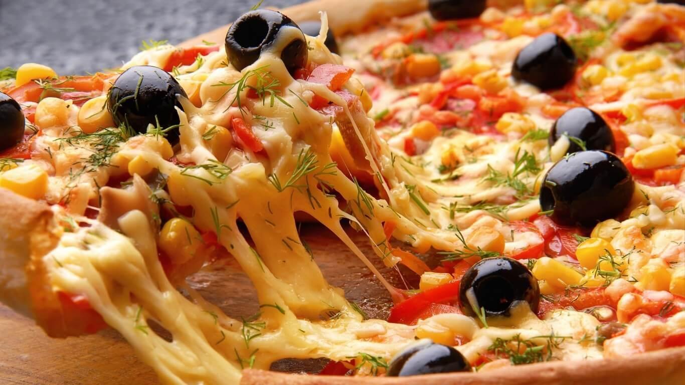 طريقة عمل البيتزا 1